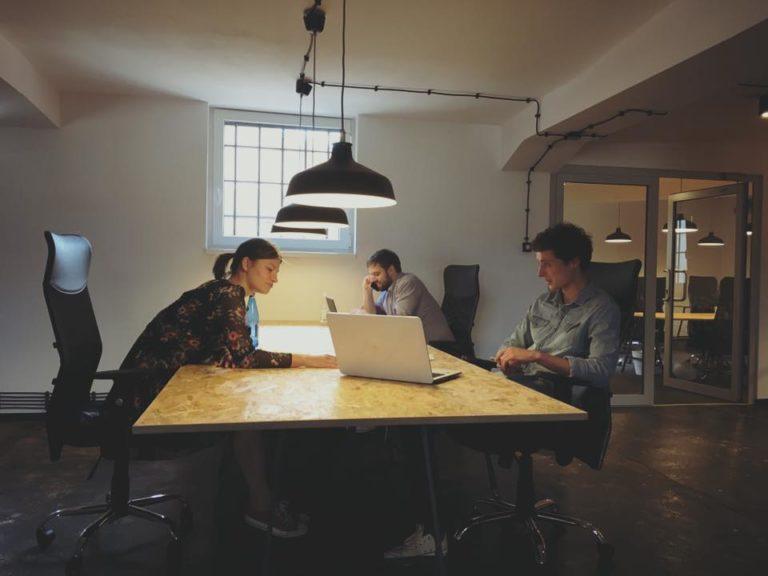 Meubilair voor cowork kantoren
